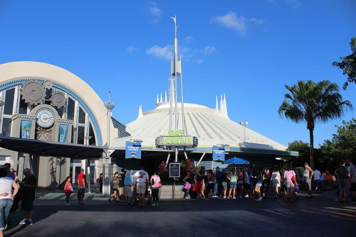 Space_Mountain_(23062420779)